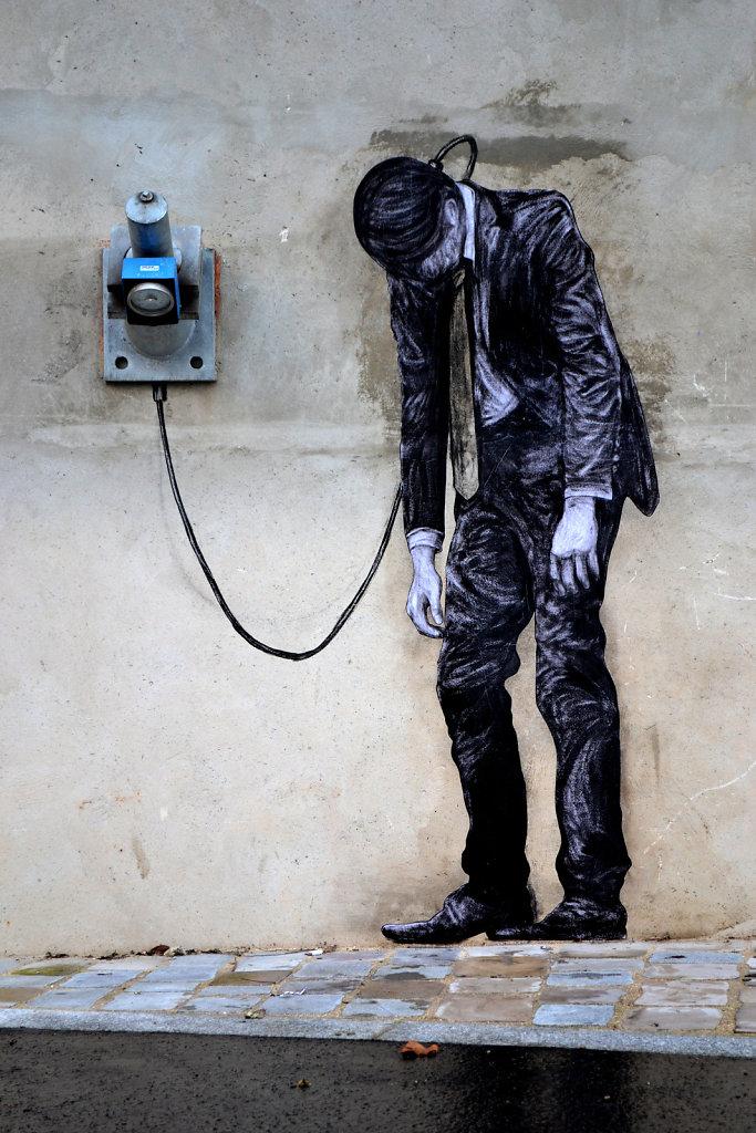 """Los trazos de Levalet no gritan """"La imaginación al poder"""" sino un directo y radical: para nosotros, los marginados, la imaginación es el único poder…"""