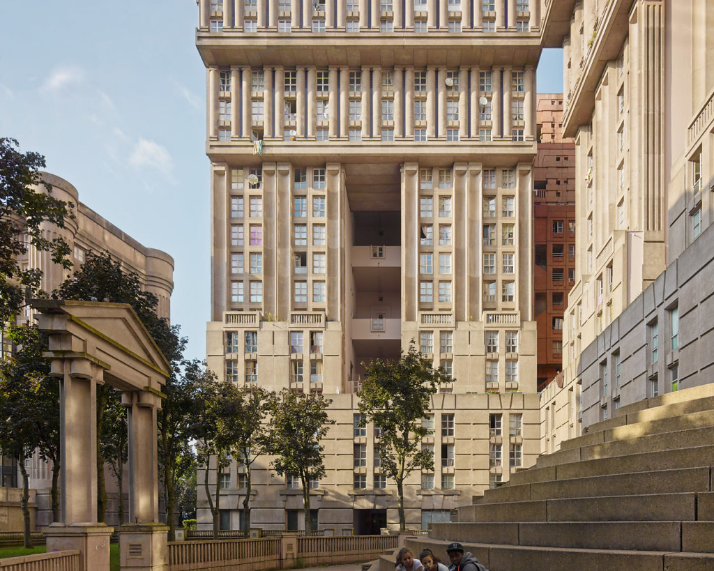 """Palacio de Abraxas"" ""Ricardo Bofill"" architecture neoclassic posmodernism brutalism photography scifi dystopian paris"