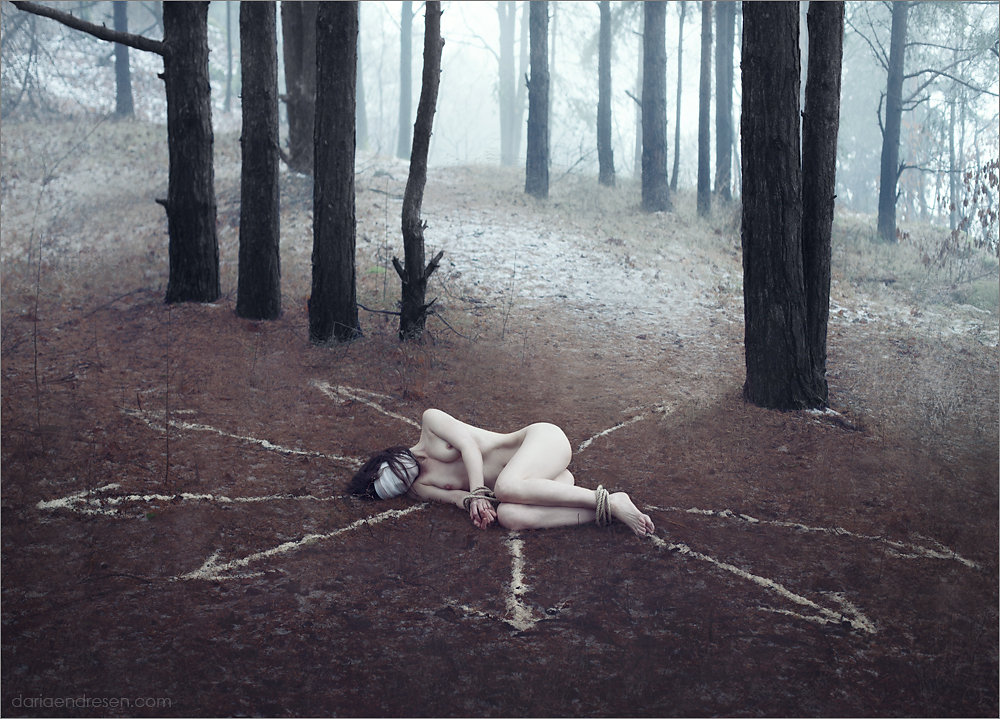 """Daria Endresen"" surreal haunting photography ocultism dreams nightmares ""dark rituals"" ""pagan sorcery"" artist photographer"