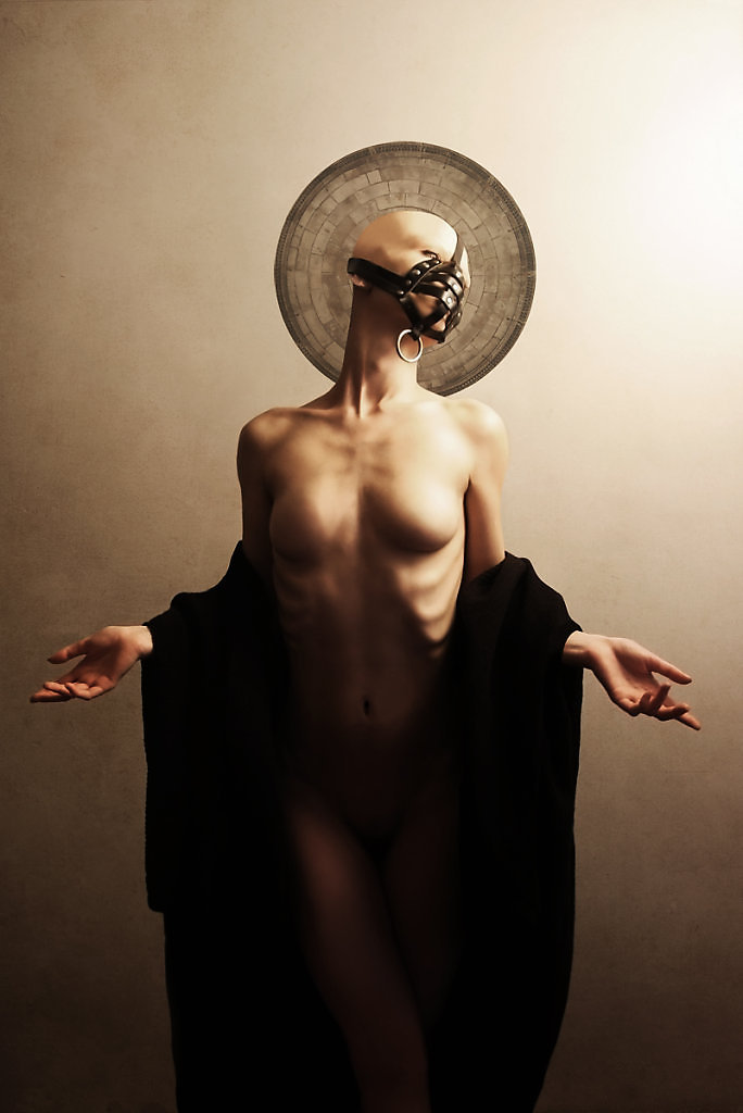 saint-cyanide-by-nihil-surreal-bdsm-horror-pagan-ritual-sorcery-arcane-ocultism-symbolism-contemporary-art-photography-photomanipulation