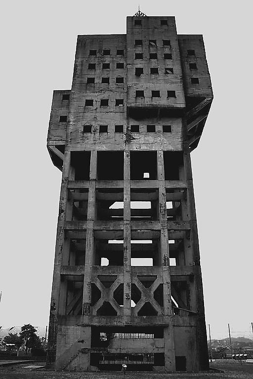 shime-town-tower-kasuya-fukuoka-japan-architecture-abandoned-buildings-urban-exploration-brutalism-concrete