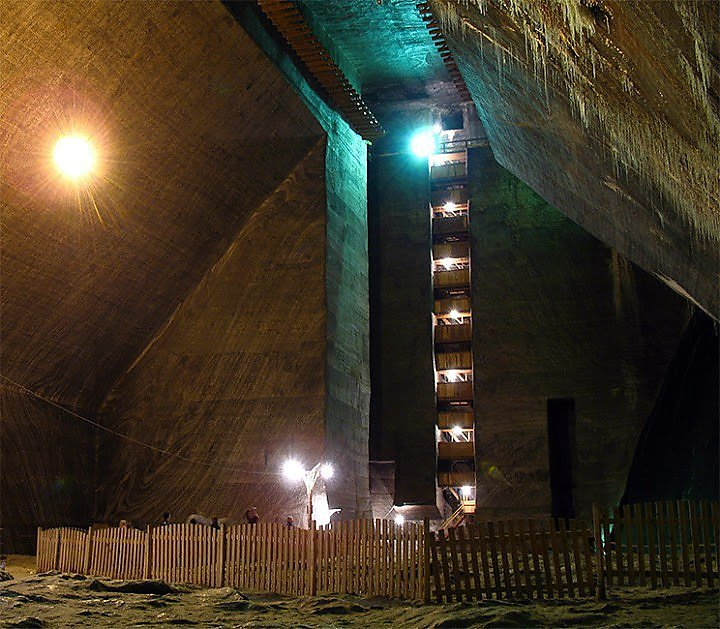 abandoned-places-secret-locations-urban-exploration-vast-underground-forgotten-spaces-russia-soviet-union-brutalist-comunist-soviet-architecture-world-war-II-cold-war-turda-closed-salt